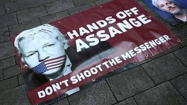 مؤسس wikileaks مطلوب من الإنتربول 1