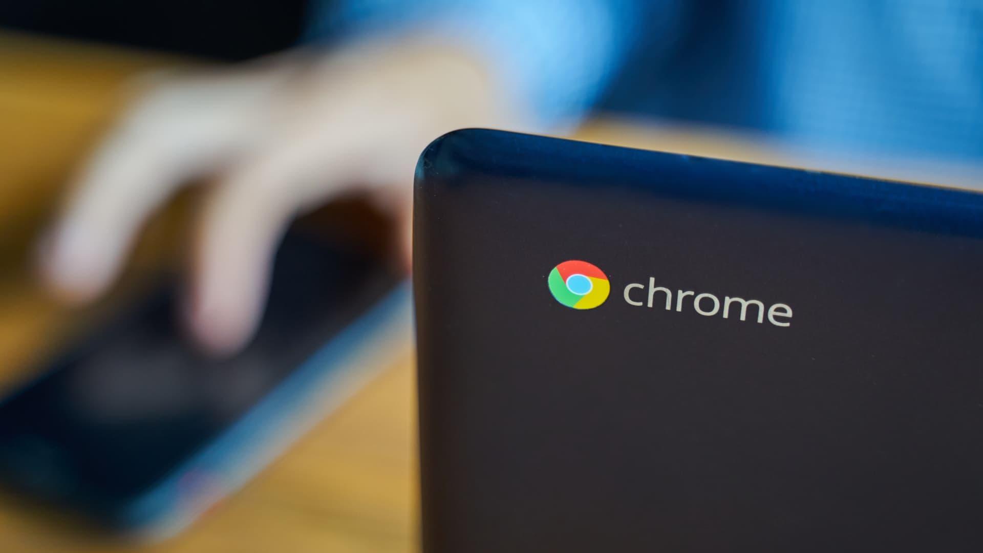 إعادة تشغيل جهاز Chromebook